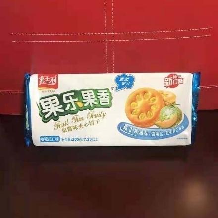 Picture of Jiashili Sandwich Biscuits (Hami Melon) 205g,1 pack, 1*26 pack | 嘉士利果乐果香果酱夹心饼干(哈密瓜)205g,1包,1*26包